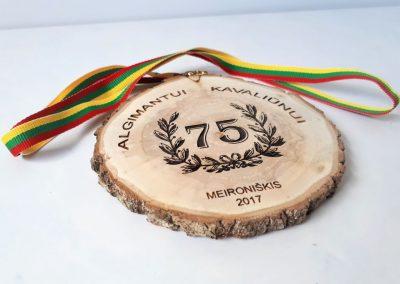 mediniai_medaliai